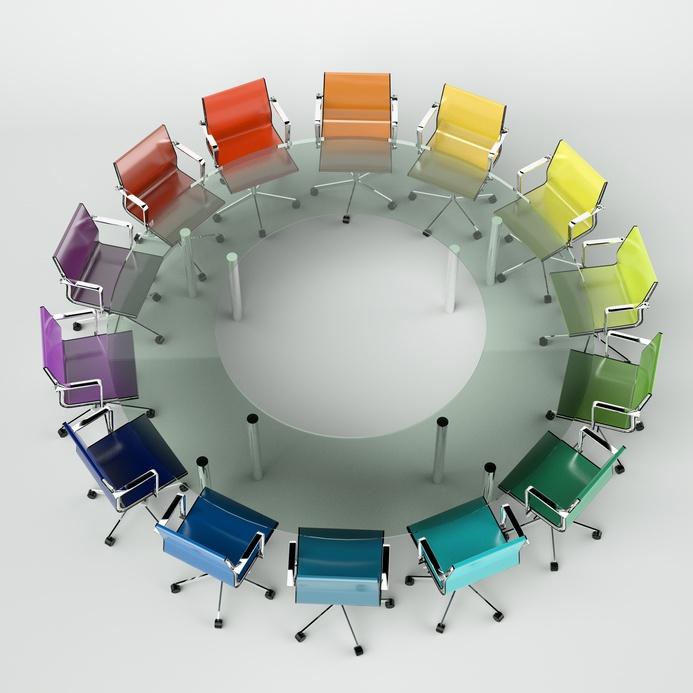 Bürodesign – Konferenztisch bunt